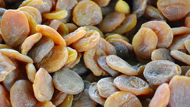 dried-fruit-700028_640
