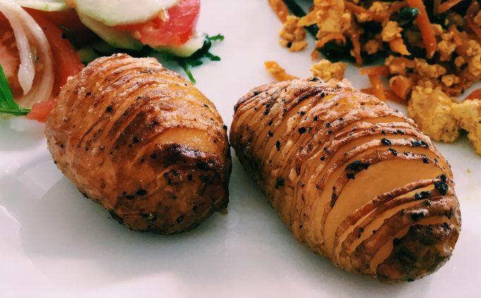 hasselback krumpiri rebrasti krumpiri
